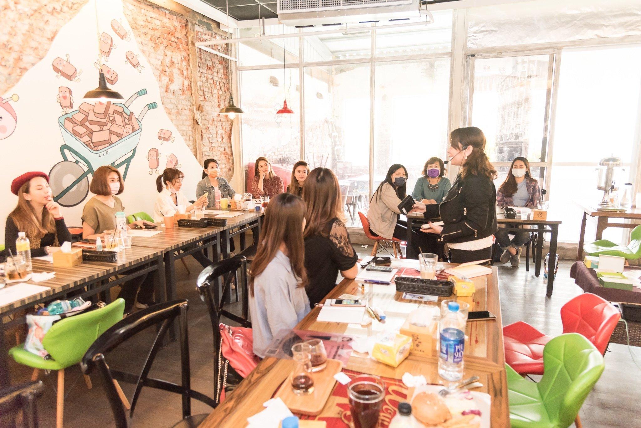 愛閃耀團隊活動聚會紀錄 透過教育培訓提高銷售力