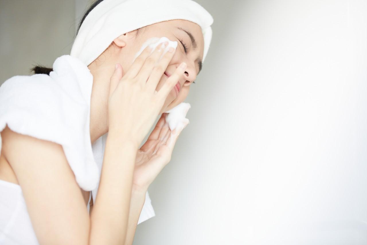 洗面乳很重要 避免黑頭粉刺的生成 保養肌膚的秘訣